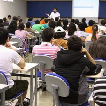 Crise tirou 170 mil jovens da faculdade