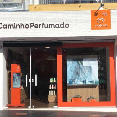841c0f6089cd0 Confira fotos e acesse o facebook da loja no link  Caminho Perfumado