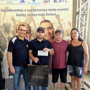 Gabriel De Paula Vasques da Unimaq ganhou umBrinde  da loja Le Postiche