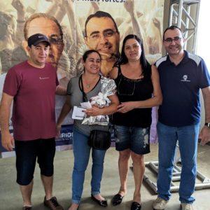 Cristina Barbosa M. De Oliveira do Império Do Piso ganhou um Brinde  das Lojas Real