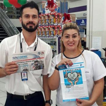 Sincomerciários de Avaré entrega informativo sobre sindicalização